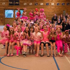 """#teamspirit in the #rechall Go Pink!"""