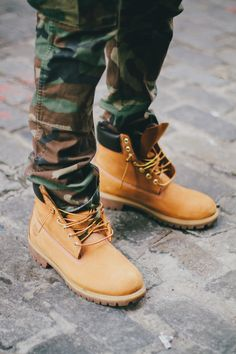 huge discount 937fe 4395e Camouflage pants in Timberland boots.