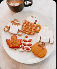 Fall Treats, Halloween Treats, Fall Halloween, Halloween Inspo, Fall Cookies, Fall Wallpaper, Halloween Wallpaper, Happy Fall, Happy October