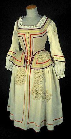 Beige Dress (front) under Louis XIII era, 1610-1660