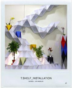 Main : J1studio    #escada #prateleira #banco #preto #azul #vermelho #planta #branco