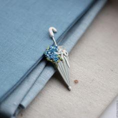 Polymer clay umbrella brooch - ideas for rainy days