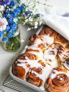 Cinnabon, Savoury Baking, Cinnamon Rolls, Deserts, Yummy Food, Sweets, Cooking, Recipes, Drink