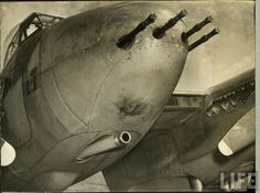 De Havilland Mosquito nose. This version carry a  57 mm cannon and heavy machine guns in function anti-tank , anti -bombers.