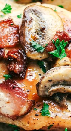 Creamy Balsamic Mushroom Bacon Chicken has the most amazing creamy balsamic mushroom sauce with tender and juicy chicken topped with crispy bacon. Chicken Breast With Bacon, Chicken Bacon, Chicken Breasts, Stuffed Chicken, Garlic Chicken, Baked Chicken, Ground Beef Recipes, Turkey Recipes, Chicken Recipes