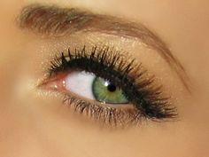GirlsGuideTo   The Best Eye Shadow Looks For Green Eyed Gals   GirlsGuideTo