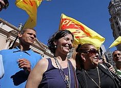 Soninha se encontrou com militantes no Pátio do Colégio, na região central da cidade http://www.estadao.com.br/noticias/politica,em-primeiro-ato-de-campanha-soninha-se-diz-a-mais-experiente,896804,0.htm#