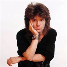 Richard Marx. He was cool. I seen him on TV today doing acoustic solo stuff. Was not as good as the stuff back in the 80s with a band. His new stuff in good that way, but when you were use to listening to those songs that way in the 80s, and now hear them solo with no band, not good at all. To me anyway.
