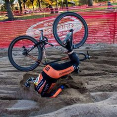 treadlyandme:  Faceplant of the year…well and truly planted, just about taken root.