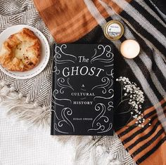 Tea And Books, Ya Books, Books To Buy, Books To Read, Book Cover Design, Book Design, Book Flatlay, Book Aesthetic, Book Of Life