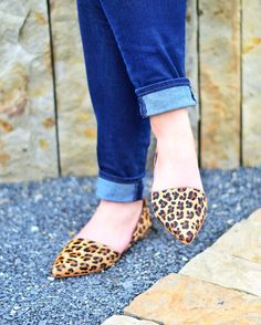 Transitioning into Fall with the perfect pair of leopard flats