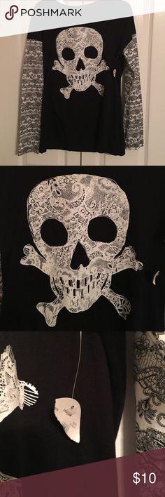 Black skull 💀 long Sleeve Size Junior XL Black skull 💀 long Sleeve Size Junior XL Shirts & Tops Tees - Long Sleeve