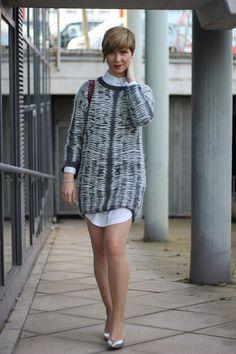 Strickkleid mit langer Bluse - grau und weiß