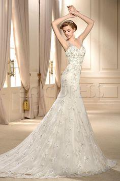 Amazing V-Neck Trumpet/Mermaid Sleeveless Applique Paillette Chapel Vintage Wedding Dress.