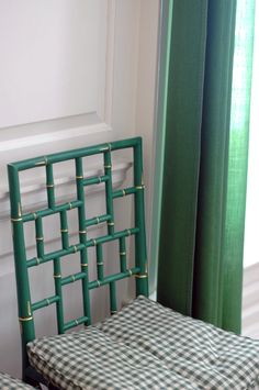 Green Faux Bamboo Chair. Colonial Williamsburg in Virginia - Little Green Notebook