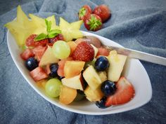 Ovocný salát s hvězdičkou – Snědeno.cz Raw Vegan, Fruit Salad, Fruit Salads, Leaf Vegetable