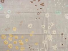 Japanese fabric brand naniIRO designed by Naomi Ito.    Content: 100% Cotton,double gauze.  Width approx: 42 ( 106cm )  Length approx 27 ( 70cm )