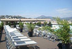 En la terraza del AC Nice podrás disfrutar de maravillosas vistas sobre Niza y el Mar Mediterráneo en una vista panorámica inigualable. http://www.espanol.marriott.com/hotels/hotel-information/fitness-center/nceac-ac-hotel-nice/