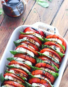 5 Delicious Italian Recipes You've Never Tried Before -Tomato Mozzarella Salad With Balsamic Reduction. Perfect healthy clean eating recipe for brunch, lunch, dinner. Summer Salad Recipes, Summer Salads, Summer Dishes, Vegetarian Recipes, Cooking Recipes, Healthy Recipes, Vegetarian Buffet, Tapas Recipes, Cheese Recipes