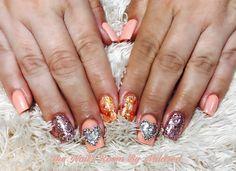 Valentine's Day Ready #thenailsroom #uñas #uñasacrílicas #uñasdecoradas #nails #acrylicnails #heart #valentinesnails #squarenails #peachnails #instanails #nailsoftheday #nailitdaily #prettynails #glitternails #rosegoldglitter #crystals #nailprodigy #notpolish #dainty