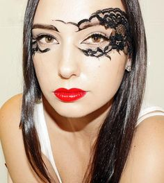 This lace makeup is cool