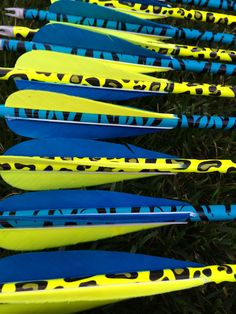 The gorgeous Trueflight feathers These are round backs, in fluorescent yellow & turquoise. On Onestringer arrow wraps in super tiger and cheetah print. Life is too short to shoot ugly arrows! Hoyt Bows, Archery Tips, Yellow Turquoise, Adult Humor, Girls Be Like, Cheetah Print, Arrows, Feathers, Hunting