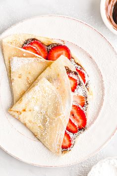 STRAWBERRY NUTELLA CREPES 185 calories or 7 WW points - Thin and delicate crepes recipe filled with chocolate hazelnut Nutella and fresh strawberries Crepe Recipes, Brunch Recipes, Sweet Recipes, Breakfast Recipes, Dessert Recipes, Mexican Breakfast, Pancake Recipes, Waffle Recipes, Breakfast Sandwiches