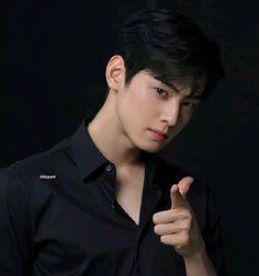 Korean Boys Ulzzang, Korean Men, Cute Korean, Asian Men, Astro Eunwoo, Cha Eunwoo Astro, Korean Celebrities, Korean Actors, Suho