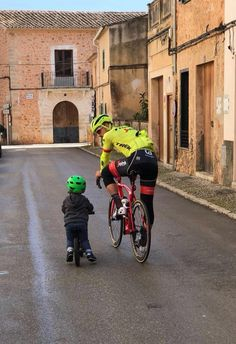 """Today I finish my trainingscamp with the cutest and coolest trainingspartner ever "" - John Degenkolb   RELATED: Succeed in cycling goals when you have kids → http://roa.rs/1XfvyOt?utm_content=buffer99229&utm_medium=social&utm_source=pinterest.com&utm_campaign=buffer   #kids #cycling #juniors #bicycle #training #family #childrens #bike #goals #dege #dgnklb #degejuniors #degebambini"