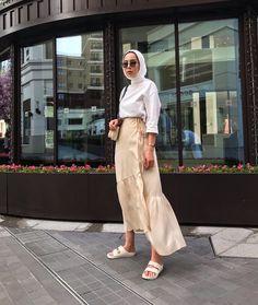 Modest Fashion Hijab, Modern Hijab Fashion, Muslim Women Fashion, Street Hijab Fashion, Hijab Fashion Inspiration, Hijab Chic, Casual Hijab Outfit, Hijab Dress, Mode Abaya
