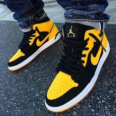"Air Jordan 1 Beginning Moments Pack ""New Love"""