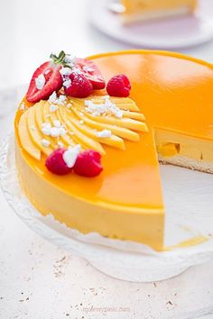 Mousse cake with mango Mango Mousse Cake, Mango Cheesecake, Mango Cake, Baking Recipes, Cookie Recipes, Dessert Recipes, Cookies And Cream Cake, Fancy Desserts, Homemade Cakes