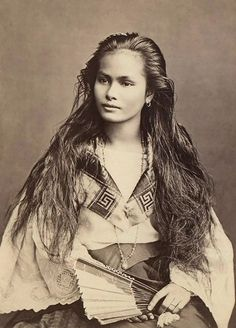 """A mestiza de sangley in a photograph by Francisco Van Camp, c. """"Mestiza de Sangley"""", was the Spanish colonists term for """"mixed Chinese & Indigenous Filipino"""" if referring to a mixed-race person of sangley <Chinese>and indio <local> mix Native American Beauty, Native American History, Native American Indians, American Girl, Native American Hairstyles, Native American Legends, Native American Photos, American Pride, Sioux"""