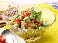 アボカドとトマトのバジルサラダ | S&B エスビー食品株式会社