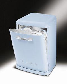 Lave vaisselle années 50, Smeg - Sélection de produits déco pastel - Rien de plus rébarbatif qu'un lave vaisselle... Alors voilà de quoi égayer une cuisine. Smeg Lave vaisselle années 50, classe AAA, 1529 € Existe en 8 coulerus différentes www...