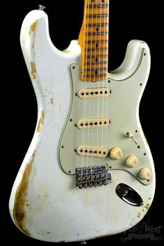 fender-1969-stratocaster-heavy-relic-olympic-white