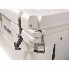Guide Gear Ultimate Ice Cooler For Tailgating Camping Fishing Hunting - Model 30