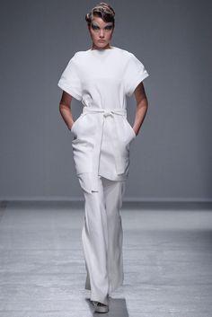 Gareth Pugh Spring 2014 Ready-to-Wear Fashion Show Collection