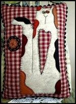 Free Applique Prim Kitty Pillow Pattern
