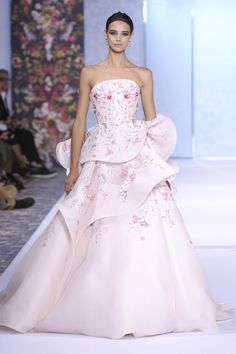 Sweet romantic pink// Ralph and Russo   Haute Couture - Autumn 2016   Look 51