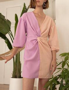 Pixie Market Vision Twist Dress S Peach 15 Dresses, Cute Dresses, Casual Dresses, Fashion Dresses, Summer Dresses, Party Dresses, Pink And Red Dress, Colorblock Dress, Fashion 2020