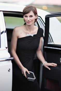 The most ultimate of dresses, easily transforming into more than 20 different looks, this Sacha Drake classic is a birdsnest favourite we turn to when we need to look sparkling.  The Ultimate Black Dress can be worn in over 20 different ways, from a strapless evening gown to a casual skirt, this dress is incredibly versatile and practical.The perfect travel garment - it doesn't crush. Ideal for pregnancy. Buy in your normal size,the dress stretches and returns to original shape easily. Made…