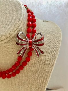 Repurposed Vintage Two 2 Strand Bib Multi Red Enamel Silver Rhinestone Bow Upcycled Altered Statement Wedding Assemblage Necklace Doodaba Vintage Jewelry Crafts, Jewelry Art, Handmade Jewelry, Jewlery, Jewelry Ideas, Silver Rhinestone, Silver Enamel, Beaded Earrings, Beaded Jewelry