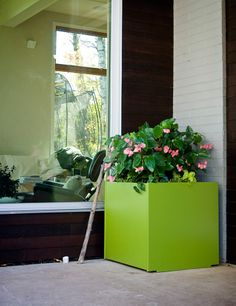 Loll Designs' Square Planter Box, available in 10 colors and two sizes. Square Planter Boxes, Outdoor Planter Boxes, Colors, Garden, Modern, Flowers, Design, Garten, Trendy Tree