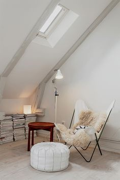 9 Ideal Tips: Old Attic Remodel attic shelves dressers.Old Attic Remodel attic loft storage. Home Design, Attic Design, Interior Design, Design Design, Design Ideas, Attic Apartment, Attic Rooms, Attic Bathroom, Attic Playroom