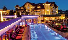 Außenpool im Hotel Jagdhof bei Nacht