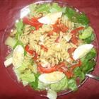 Grilled Chicken and Pasta Salad Recipe - Doesn't this look appetizing?  This would be great on a hot summer's night.  Like tonight!