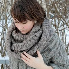 Looking for scarf knitting instructions that will help you make the ultimate winter accessory?  This Easy Infini Cowl is just what you need!  Long enough to wrap around your neck three times, this incredibly chic and cozy scarf is perfect for even the coldest of January nights.  To make it, just alternate rows of stockinette and garter stitch - super easy!