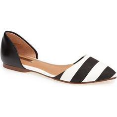 The Look 4 Less: Manolo Blahnik Soutri Black and White D'Orsay Flats Cute Shoes, Me Too Shoes, Style Simple, Best Flats, Pointy Toe Flats, Only Shoes, Spring Trends, Looks Style, Beautiful Shoes