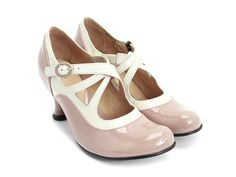 "Fluveogs, Bellevues ""shoe family"" - this means all the shoes in the family have the same footbed.  Pearl Hart (Dusty Rose & Cream).  Could work, have not tried this on."
